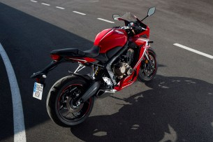 Honda CBR650R 2019 statyka 12