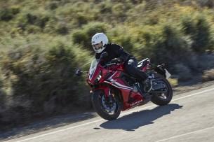 Honda CBR 650 R 2019 na drodze