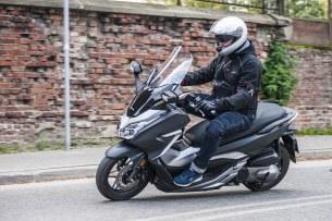 akcja Honda Forza 300 2019 47
