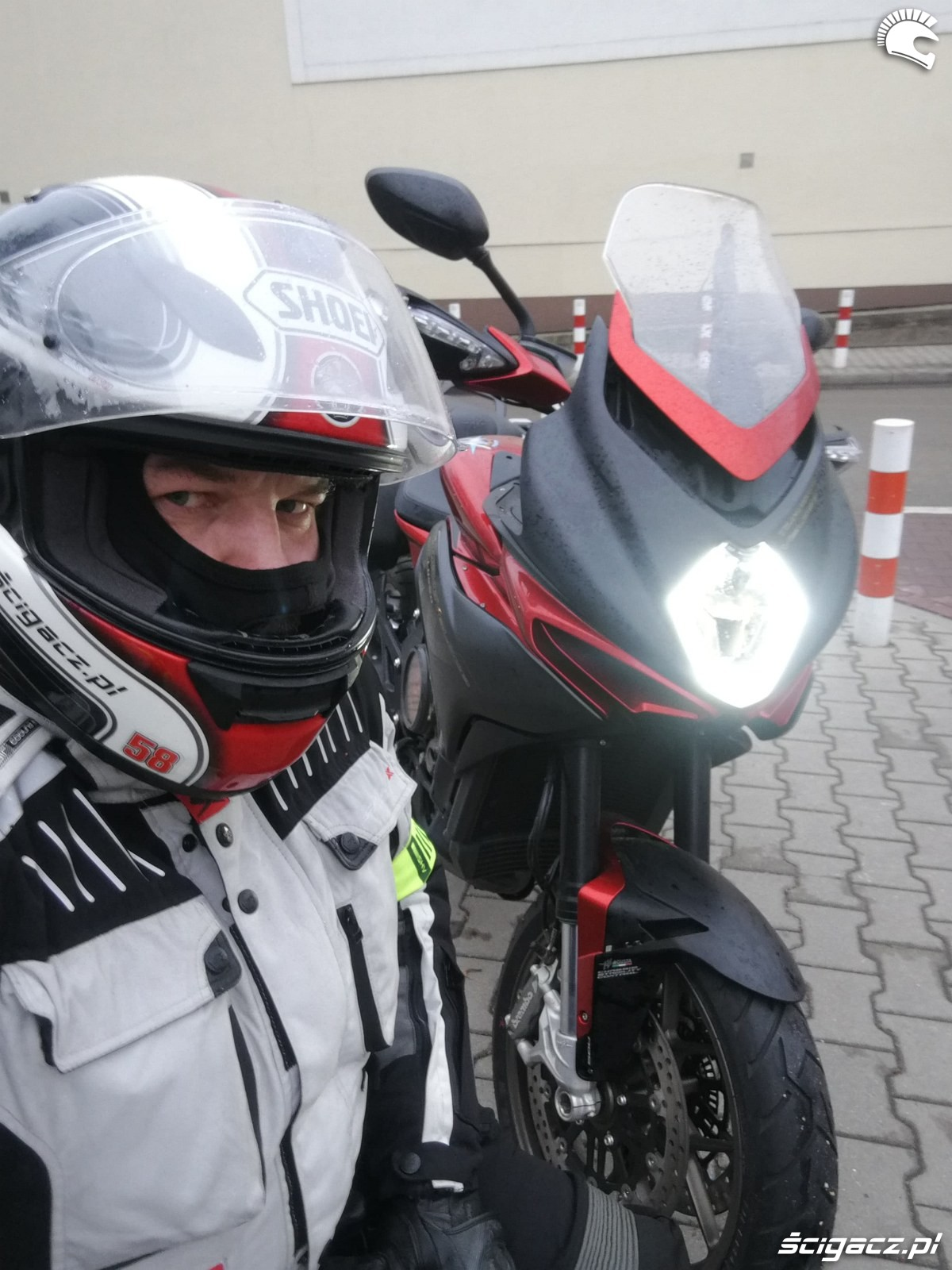 MV Agusta Turismo Veloce 800 Lusso Beni test motocykla 08
