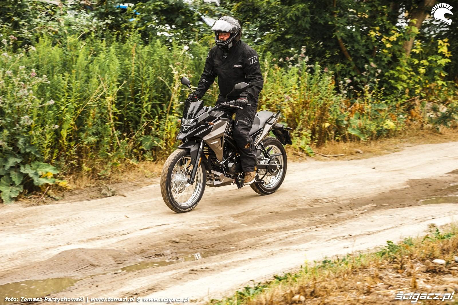 SYM NH T 125 test motocykla 44