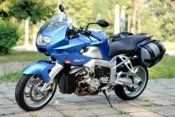 BMW K1200R Sport lewy bok