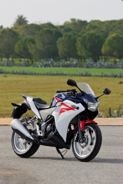Honda CBR250R 2011 prawy bok