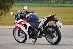 Honda CBR250R 2011 z tylu