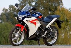 lewy profil Honda CBR250R 2011