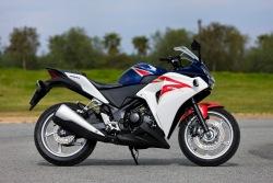 prawy bok Honda CBR250R 2011
