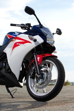 przod z dolu Honda CBR250R 2011