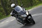 wejscie w zakret Honda SWT600