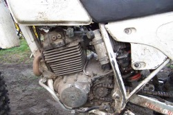 Honda XLR lewa strona