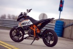 swiatlo w depot duke 690 ktm test a mg 0065