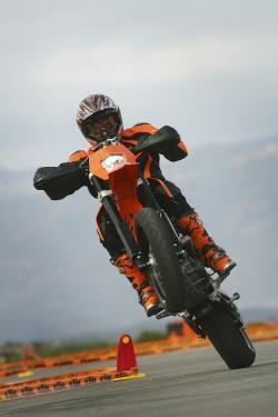 na kole KTM 690 SMC peu