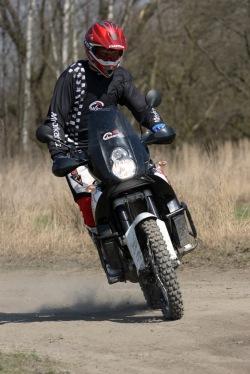 KTM LC8 Adventure R wejscie bokiem