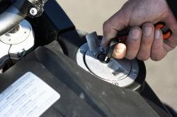 KTM LC8 Adventure R wlew paliwa