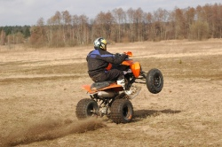 quad wheelie KTM XC525