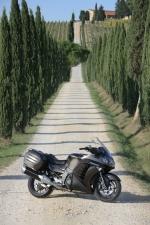 Kawasaki 1400 GTR 2010 aleja