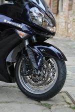 Kawasaki 1400 GTR 2010 przednie zawieszenie