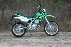 Kawasaki KLX 250 2009 prawy profil