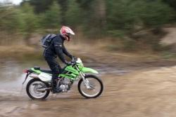 Kawasaki KLX 250 w ruchu