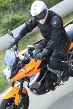 Premiera Kawasaki Versys 2010 latwe wejscie w zakret