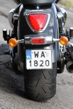 masywny tyl motocykla Suzuki Intruder C1800R