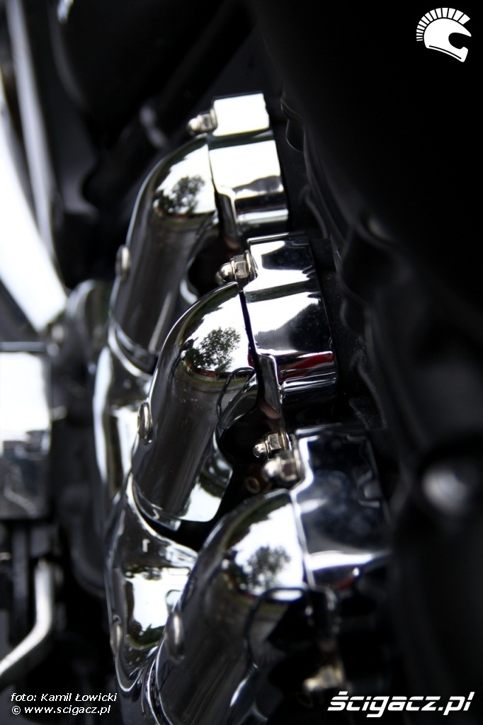 kolanka wydechowe Triumph Rocket III Roadster