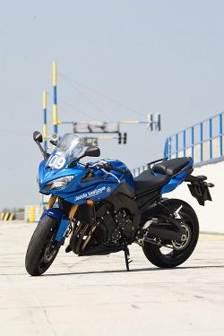 lewa strona yamaha fz8 fazer 2010 test motocykla 29