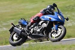 szybka jazda yamaha fz8 fazer 2010 test motocykla 17