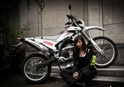 Zmija Magdalena Krasicka Yamaha WR250R