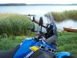 Yamaha Tenere 660 przy jeziorze