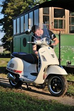vespa gts 300 super maintenance