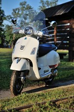 vespa gts 300 super medium shield