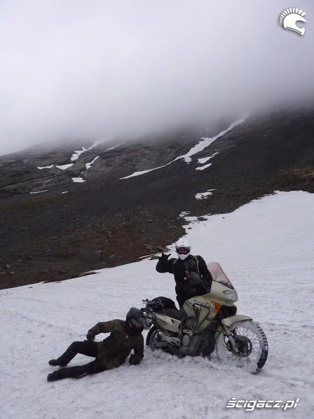 lezenie W sniegu