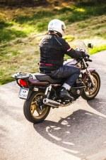 Honda CB750 Seven Fifty 32