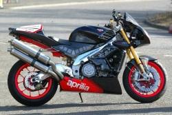 Aprilia Tuono 2004 Racing prawy profil