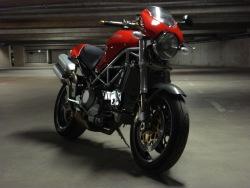 Ducati Monster S4R garaz