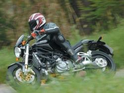 Ducati Monster S4R jazda 1