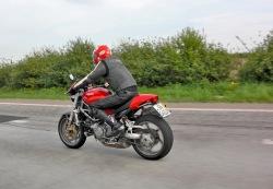 Ducati Monster S4R jazda 3