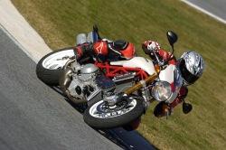 Ducati Monster S4R testastretta tor
