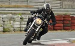 Ducati Monster S4R zakret