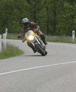 Ducati Monster S4R zakret 4