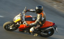 KTM 990 Super Duke jazda