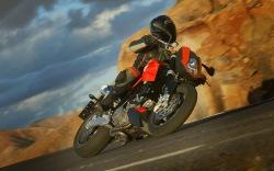 KTM 990 Super Duke szybka jazda kanion