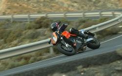pelnym ogniem KTM 990 Super Duke
