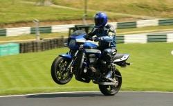 Kawasaki ZRX 1200 R wheelie