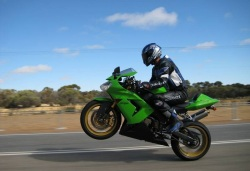 kawasaki ZX10R mini wheelie