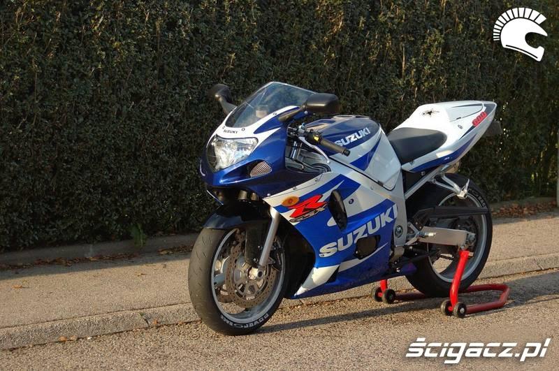 Yamaha FZS600 Fazer - motorcyclespecs.co.za