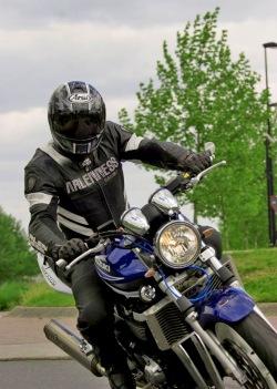 zakret przod Suzuki GSX 1400