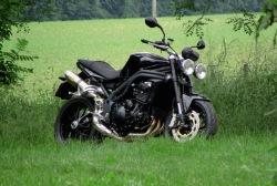 czarny Triumph Speed Triple