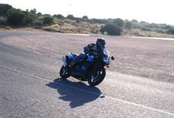 Kawasaki GPZ500 szybkie wyjscie z zakretu