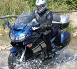 Yamaha FJR1300 wodna przeprawa